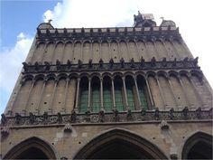 La fameuse Église Notre-Dame et la chouette est sur le côté gauche ! Gauche, Pisa, Big Ben, Tower, Building, Travel, Owls, Children, Rook