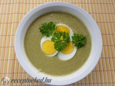 Tejszínes sóskaleves Eggs, Breakfast, Ethnic Recipes, Food, Morning Coffee, Essen, Egg, Meals, Yemek