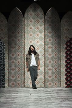 Alessandro Michele kills with his Gucci Spring 2016 Ready-to-Wear Fashion Show.