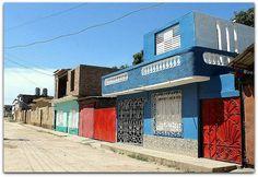 Fachada de la vivienda. Patio, Trinidad, Multi Story Building, Cities, Terrace