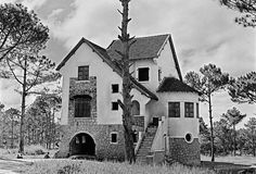 Da Lat 1955 Indochine, Good House, Architecture, Old Town, Vietnam, Spanish, Asia, Mansions, House Styles