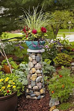 I really like the gabion look here. Tomato Cage Makeovers   Living the Country Life