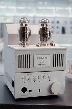 Octave single ended integrated amplifier Equipment For Sale, Audio Equipment, Big Speakers, Valve Amplifier, Rest House, At Home Movie Theater, High End Audio, Hifi Audio, Vacuum Tube