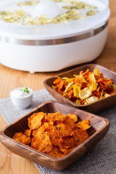 DOMÁCÍ ZELENINOVÉ CHIPSY - Inspirace od decoDoma Preserves, Pickles, Cereal, Curry, Low Carb, Breakfast, Ethnic Recipes, Food, Hokkaido Dog