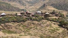 Dorf in der Nähe von Alage in der nordäthiopischen Provinz Tigré. (Bild: Thomas Imo / Photothek) Grand Canyon, Nature, Travel, Culture Shock, Farmers, Agriculture, Photo Illustration, Naturaleza, Viajes