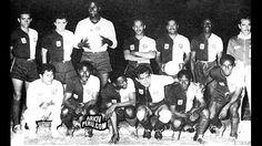En 1956, blanquiazules y cremas jugaron contra Austria de Viena en un amistoso en el que vistieron una singularcamiseta. Octubre 22, 2014.