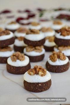 Uciteljska dugmad by Sephia — Coolinarika Mini Desserts, Christmas Desserts, Easy Desserts, Baking Recipes, Cookie Recipes, Dessert Recipes, Cupcakes, Cake Cookies, Croation Recipes