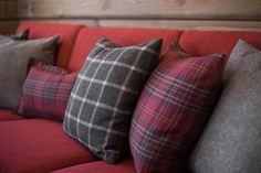 Roger's Hytteside - Den ferdige hytta Decoration, Cabins, New Homes, Ralph Lauren, Cottage, Throw Pillows, Live, Decor, Toss Pillows