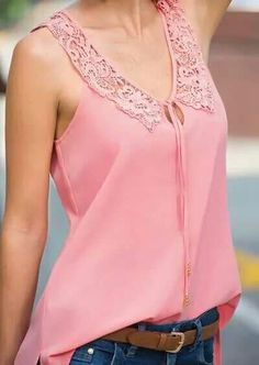 I had a similar blouse once, and love this one. Blouse Patterns, Blouse Designs, Classy Outfits, Cute Outfits, Couture Tops, Blouse And Skirt, Blouse Styles, Sewing Clothes, Plus Size Tops