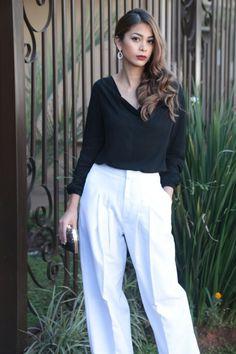 MARA Indumentaria #blusa de cuello caído de color negro #palazzo blanco