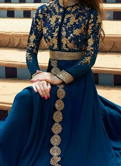 Buy online Salwar Kameez for women at Cbazaar for weddings, festivals, and parties. Explore our collection of Salwar suits with the latest designs. Indian Gowns Dresses, Pakistani Dresses, Evening Dresses, Indian Wedding Outfits, Bridal Outfits, Hijab Fashion, Fashion Dresses, Fashion Fashion, Mode Turban