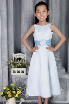 Strapless A-Line Satin Flower Girl Dress wr1042 - http://www.weddingrobe.co.uk/strapless-a-line-satin-flower-girl-dress-wr1042.html - NECKLINE: Strapless. FABRIC: Satin. SLEEVE: Sleeveless. COLOR: Blue. SILHOUETTE: A-Line. - 67.59