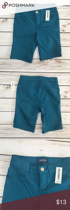 NWT OLD NAVY Teal Chino Shorts NWT OLD NAVY Teal Chino Shorts. NEW. In perfect condition. Knee length. Adjustable waist bands. Old Navy Bottoms Shorts