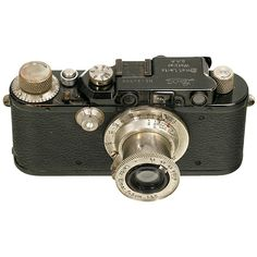 Leica III (F) with Elmar, 1934 Leitz, Wetzlar. No. 132556, black/nickel. With Elmar 3,5/5 cm, nickel, metric.