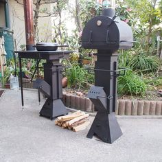 Rocket Stove Design, Diy Rocket Stove, Rocket Stoves, Wood Stove Heater, Wood Stove Cooking, Fireplace Design, Stove Fireplace, Bbq Kitchen, Outdoor Retreat