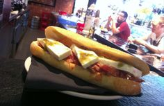 bocadillo del día Hot Dog Buns, Hot Dogs, Central Bar, Ethnic Recipes, Food, Ricard, Essen, Meals, Yemek