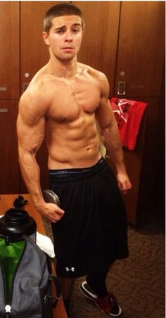 Jake Miller is ripped!!!