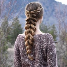 Lace 4-Strands into a Pull-Through Braid on myself today ❤️ #luxyhair #dirtyblondeluxyhair