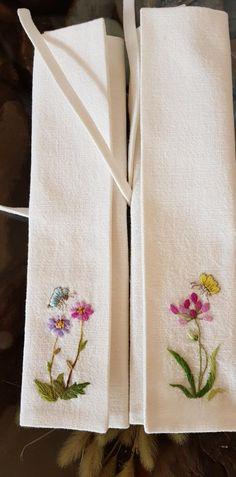 수저집 : 네이버 블로그 Hand Embroidery Projects, Potli Bags, Hardanger Embroidery, French Knots, Beautiful Hands, Needlepoint, Needlework, Applique, Pillows