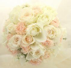 白に淡いピンクのブーケ ラビュットボワゼ様へ& 一会スクール生徒さんへ アルバムできましたの画像:一会 ウエディングの花