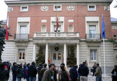 Palace of Moncloa Architecture, Multi Story Building, Street View, Mansions, House Styles, Home, Facades, Spain, Monuments