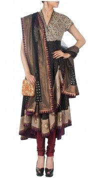 Anju Modi Latest Designer Sarees, Designer Dresses, Salwar Kameez, Indian Project, Dresser, Angrakha Style, Clothing Websites, Kaftan, Lehenga