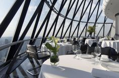 30 St Mary Axe interiors | Foster + Partners