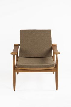 The Redford Lounge Chair