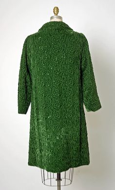 Balenciaga couture evening dress coat 1963 Eisa label collection made from flower floral dark green silk with black button. Cristobal Balenciaga, House of Balenciaga EISA was named after the designer's mother, a seamstress.