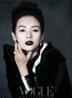 .zhang ziyi.chinese among China's film actresses to achieve worldwide success.has worked with renowned directors Zhang Yimou, Ang Lee, Wong Kar-wai, Chen Kaige, Tsui Hark, Lou Ye, Seijun Suzuki, Feng Xiaogang & Rob Marshall.She achieved wider fame in the West after starring in major roles for Crouching Tiger, Hidden Dragon (2000), House of Flying Daggers (2004), and Memoirs of a Geisha (2005). nominated for numerous awards, including 3 BAFTA and a Golden Globe.