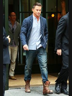 Star Tracks: Monday, October 13, 2014 | HE'S GOT THE MAGIC | Coming through! Magic Mike XXL's Channing Tatum means business on a Friday visit to New York City.