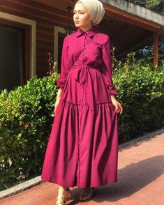 edanurkir Hijab Style Dress, Hijab Chic, Hijab Outfit, Abaya Fashion, Modest Fashion, Girl Fashion, Fashion Dresses, Mode Abaya, Mode Hijab