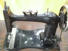 DOMESTIC Nähmaschine Antik plus Schrank versenkbar , MUSEUMSSTÜCK in in Lörrach  (Domestic sewing machine)