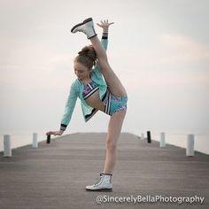 Sarah looks gorgeous 😆 Dance Moms Dancers, Dance Moms Girls, Ballet Girls, Dance Picture Poses, Dance Poses, Dance Pictures, Gymnastics Poses, Gymnastics Girls, Dance Moms Instagram