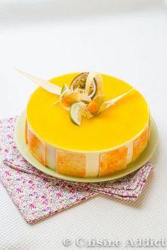 Cheesecake combava mangue coco Mango Mousse Cake, Mango Cheesecake, Coconut Mousse, Baking Recipes, Cake Recipes, Dessert Recipes, Sweets Cake, Cookie Desserts, Passion Fruit Mousse