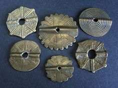 6 ANTIQUE BRONCE BEADS. Tafilalt, MOROCCO. Unusual!  Very weared antique bronce beads.