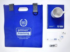 A selection of promo items we've recently produced for #pitmantraining for their centres. 📒☕️ #print #printmanagement #marketing #directmail #promo #promoitems #promotionalproducts #promotionalitems #supplier #products #franchise #clients #notepad #notebook #bag #usb #earphones #mug #brandeditems