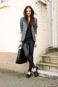 I like the sihouette of this outfit. The top and blazer are great. I like the cut of the pants. The loafers are cute, but if I wear a loafer with a casual work outfit, I'd like ones with a little more pizazz! Cute Work Outfits, Office Outfits, Outfit Work, Office Wear, Formal Outfits, Office Uniform, Work Casual, Casual Chic, Smart Casual