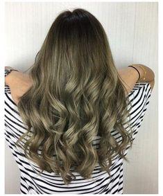 Ash Green Hair Color, Ombre Hair Color, Hair Color Balayage, Cool Hair Color, Green Ash, Ash Blonde Hair Dye, Ash Hair, Dyed Hair, Brown Hair Trends