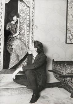 Talitha Getty and John Paul Getty Jr. Bohemian Chic Fashion, Vintage Fashion, Palestinian Wedding, Talitha Getty, John Paul, The Magicians, Jr, Beautiful, Fashion Vintage