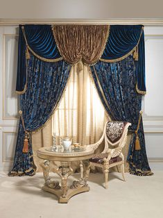 Luxurious curtains: blue intensity