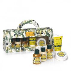 Finely decorated beauty case containing a set of 5 products for body care: 30g soap, shampoo 30ml, 30ml shower gel, hand cream 30ml, 30ml body lotion.