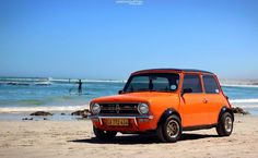 Classic mini clubman doing the beach scene! Cooper Car, Mini Cooper S, Fancy Cars, Cute Cars, Mini Clubman, Mini Countryman, Classic Mini, Classic Cars, Mini Rolls