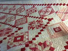 Red and white sampler.  on close-up view, creams and pinks also... make it just beautiful <3