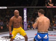 So Anderson Silva just lost, MMA forums will be busy tonight, here is a gif of the Knockout from the depths of Sherdog.