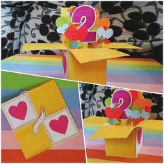 Olá meus amores *-* Hoje trouxe essa Caixa Cartão, isso mesmo. Aprendi a fazer no Canal da Chai Morais, com o vídeo do Cartão das profissões. Então eu adaptei para o meu tema de 2 anos de namoro :) ♥ . . . . . #inlove #criatividade #valentine #mylove #biasanttosz #mimo #criar #arteemfoco #love #romantic #romanticos #namoradacriativa #namorados #heart #amor #card #surpresa #surprise #scrap #scrapbook #supernamorada #EuQueFiz #diy #scraping #cartão #cardinbox #casal #blognamoradacriativa…