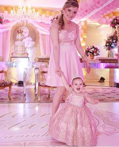 I am the very feminine Linda with my lovely daughter, Jasmine. Mommy Daughter Dresses, Mother Daughter Fashion, Little Girl Dresses, Flower Girl Dresses, Mom And Baby Outfits, Matching Family Outfits, Baby Tutu, Baby Dress, Pretty Pink Princess