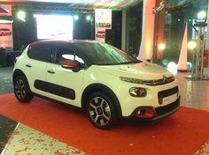 """Estivemos perto, bem perto do novo Citroën C3! O Armazém viajou até Setúbal e entrou na festa de apresentação deste carro """"tão único"""" quanto aqui as miúdas! ;-) #citroënc3 #citroën #sucursaldesetúbal #asuniqueasyouare #ConnectedCam #cocktail #diogopiçarra"""