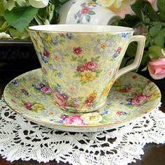 Vintage Keepsakes & The Vintage Teacup / TeaCUPS ~