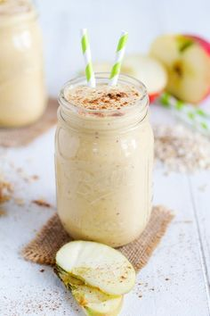 Pumpkin Apple Smoothie - The two flavors of fall mixed together in a delicious smoothie for a perfect way to start the day!